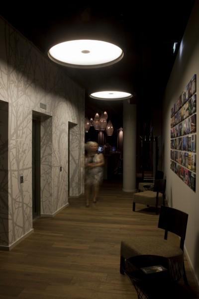 DE-HOTEL-i31-2-400x602