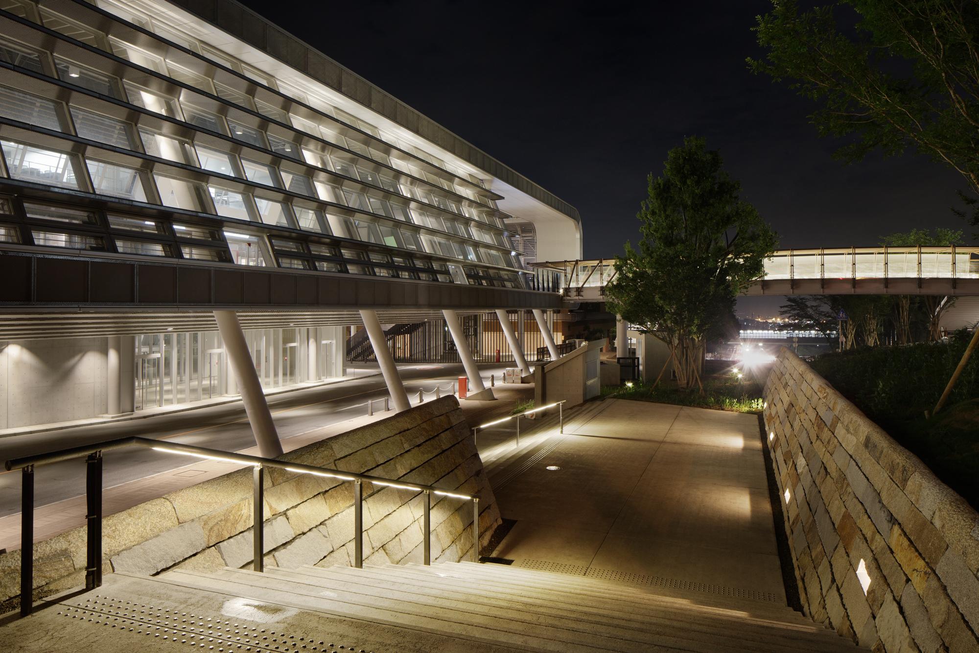 L&L 照明手法:階段を照らす光-2